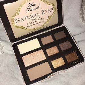 Too faced natural eyes eyeshadow palette.
